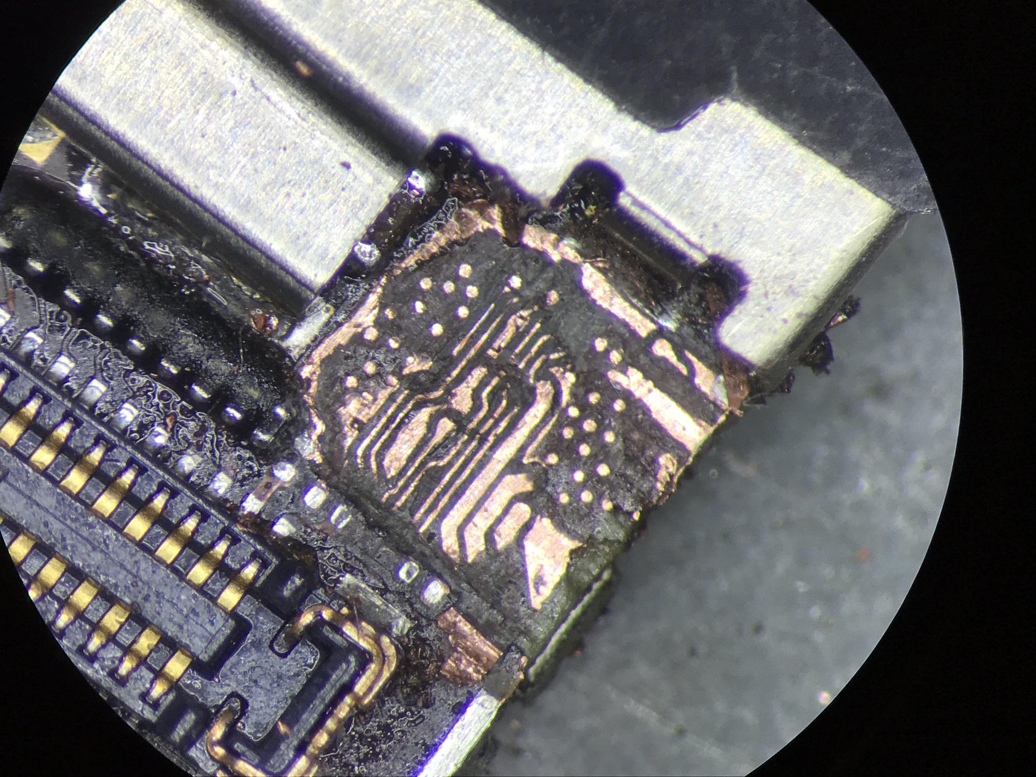 iPhone 6 ścieżki naprawa śrubka uszkodzony laminat brak obrazu
