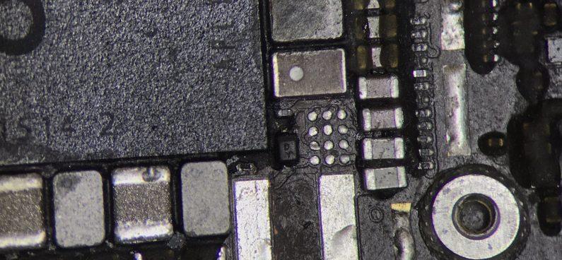 wymiana naprawa układu podświetlania iPhone 6